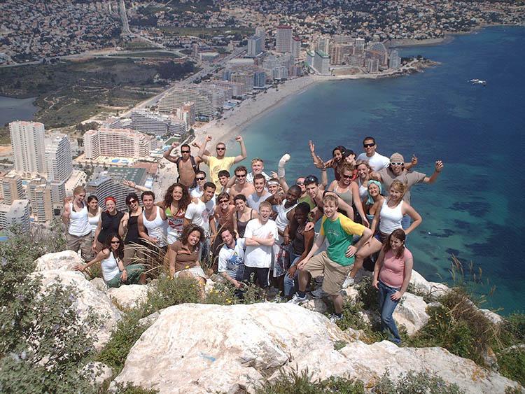 Le camp en été pour les adolescents à Valencia 1