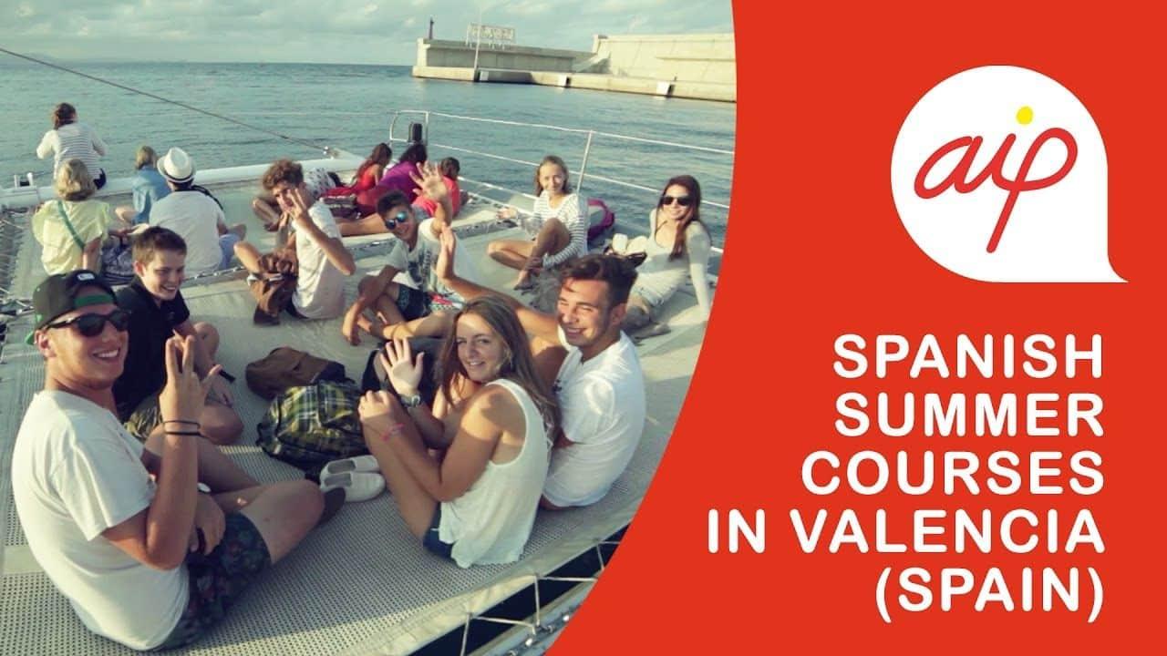Le camp en été pour les adolescents à Valencia 0