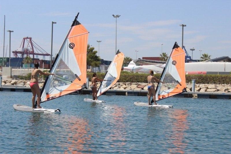 Cours intensifs d'espagnol et de voile ou windsurf! 0